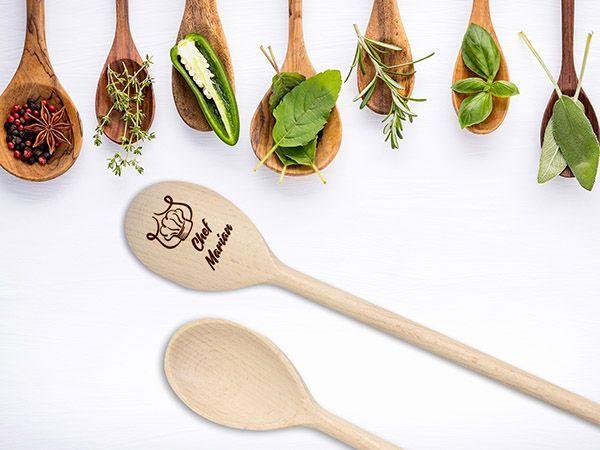 Linguri de lemn personalizate